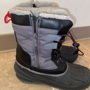 Boys Sz 6 Thermal Insulated Snow Boots